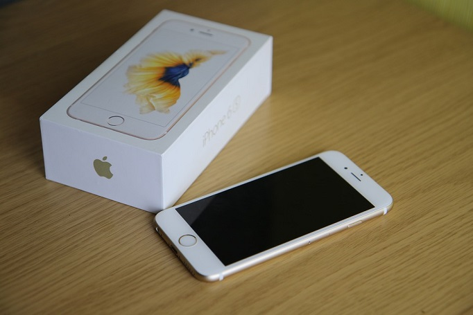 iPhone 6S and box