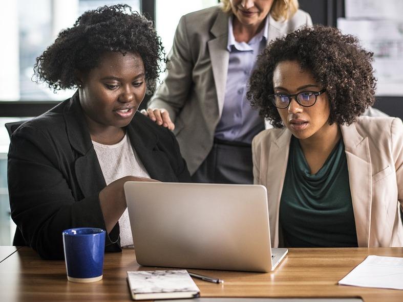 Female African American online entrepreneurs